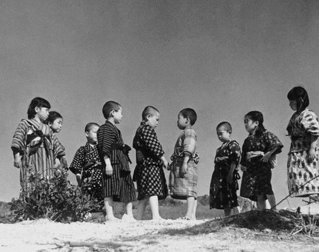 Keisuke Kinoshita's Twenty-Four Eyes (Nijū-shi no Hitomi)